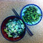 Gurkensalat und Edamame